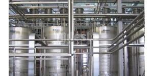 обвязка трубопроводами емкостного оборудования на предприятии по производсву молока и молочных продуктов