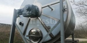 Емкость с мешалкой для молочных продуктов из нержавеющей стали